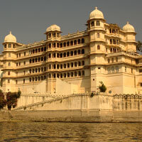 Flights to Udaipur